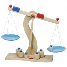 Детска дървена играчка Goki - Везна -1